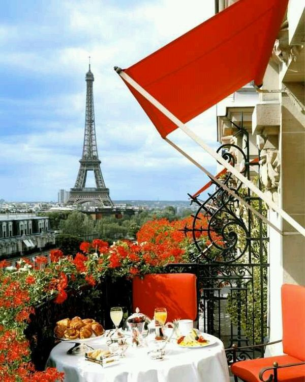 View In Gallery Hotel Plaza Athenee Paris