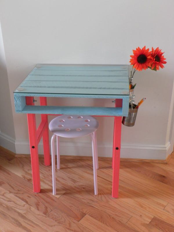 19 DIY Pallet Desks U2013 A Nice Way To Save Money And To Customize Your Home  Office