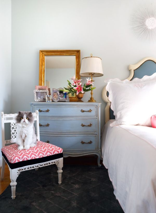 3 stick to your colors - Modern Vintage Bedroom Ideas