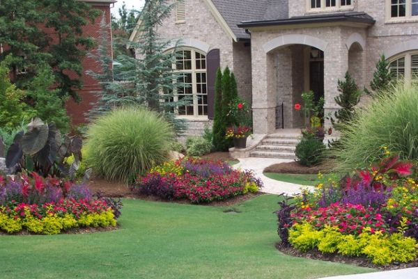 40 front yard landscaping ideas for a good impression for Colorful front yard landscaping