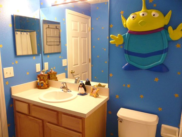 Themed rooms disney inspired spaces for Space themed bathroom accessories