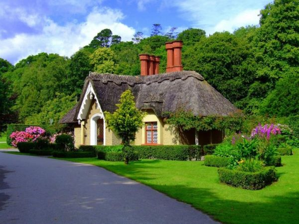 22 Peaceful Cottage Designs That Seem Like Taken From A Fairy Tale World