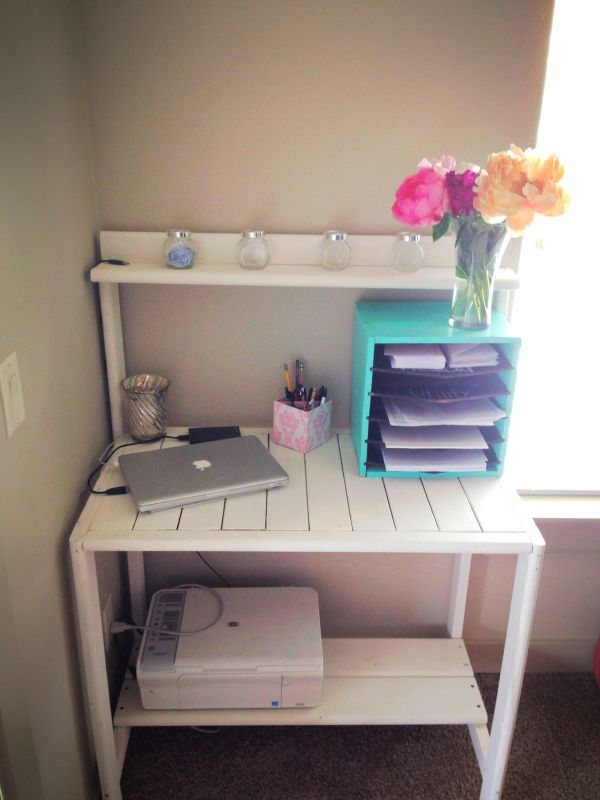 19 DIY Pallet Desks A Nice Way To Save Money And Customize Your Home Office