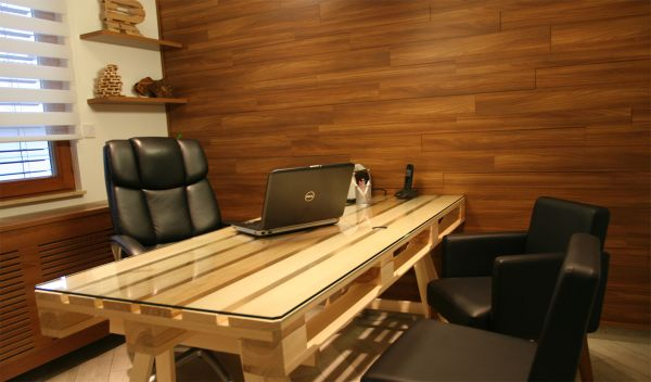 Superb 19 Diy Pallet Desks A Nice Way To Save Money And To Download Free Architecture Designs Embacsunscenecom