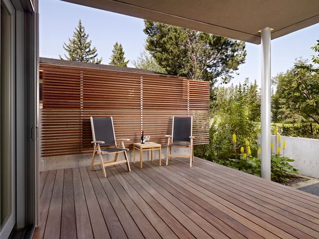 How To Get Privacy In Backyard how to get some privacy into your backyard - 10 modern ideas