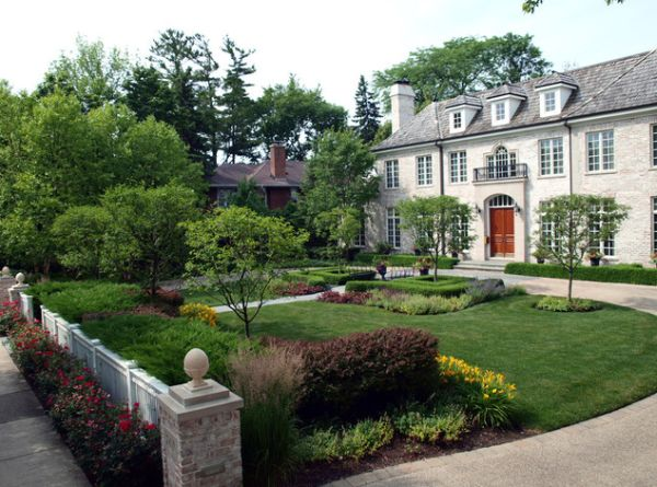 Landscaping for a Manor
