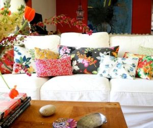 A Simple And Forever Stylish Combination: White Sofa And Colorful Pillows