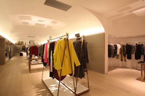 4f72bb1effc 19 Stylish Retail Design Stores Interiors Around The World