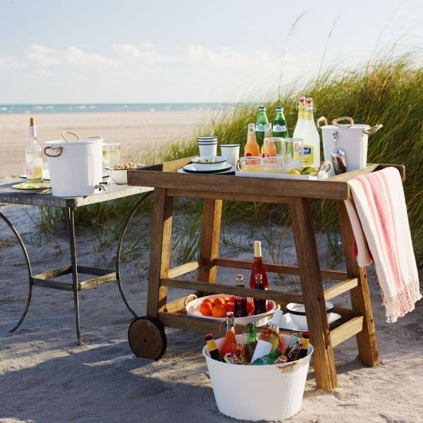 Outdoor bar designs that make late summer parties irresistible for Beach bar ideas