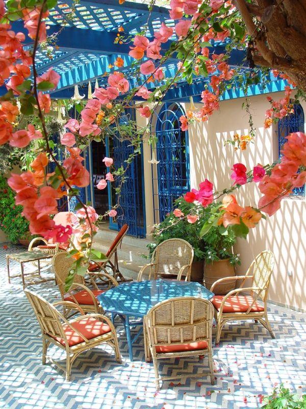 15 romantic and dreamy patios of greece - Patios con encanto ...