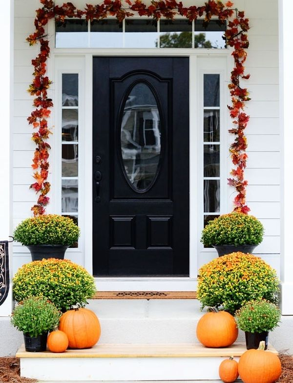 Get Into The Seasonal Spirit   15 Fall Front Door Décor Ideas