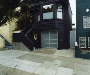 15 Black House Facades – Mysterious & Dark But Also Attractive