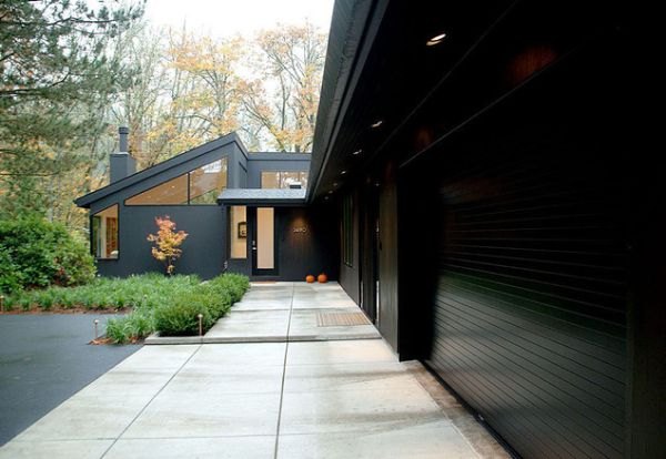 15 Black House Facades Mysterious Amp Dark But Also Attractive