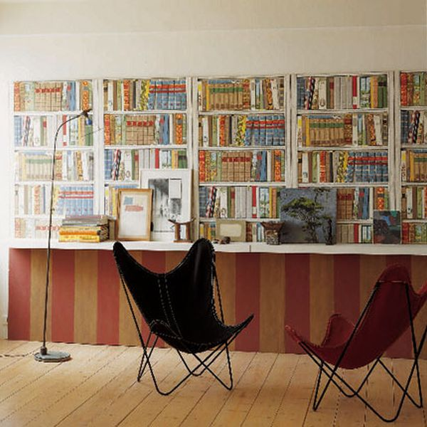 Bookshelf Printed Wallpaper That Lets You Have An Extensive Library Without Any Books