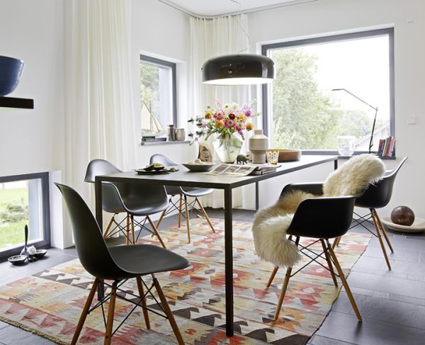 Scandinavian tables bring simplicity to the dining room Scandinavian style dining room