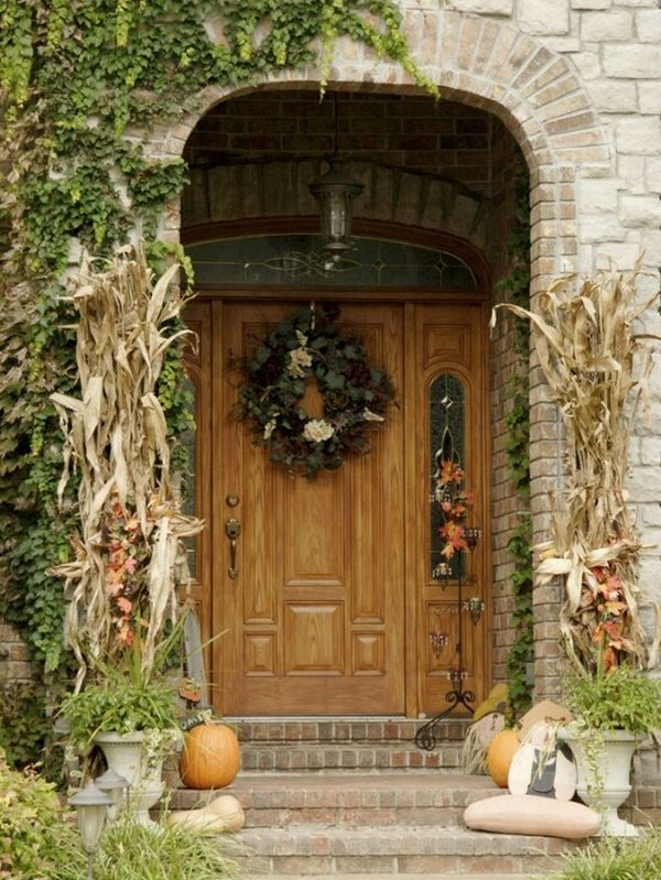 Get Into The Seasonal Spirit 15 Fall Front Door Dcor Ideas