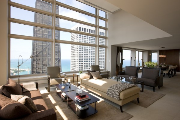 Contemporary penthouse apartment in chicago with custom for Small luxury hotels chicago