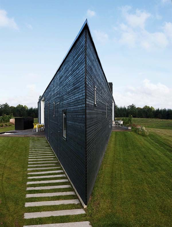 Triangular homes funky exterior shapes for Triangular house floor plans