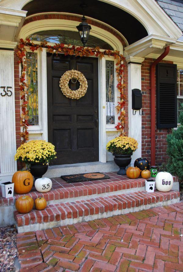 how to hang garland around front doorThe Best 35 Front Door Decors For This Years Halloween