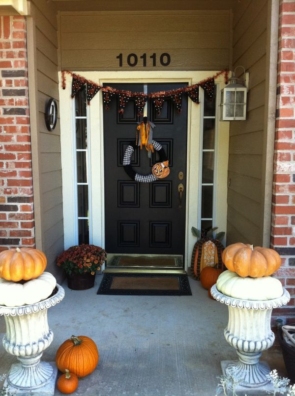 The Best 35 Front Door Decors For This Year S Halloween
