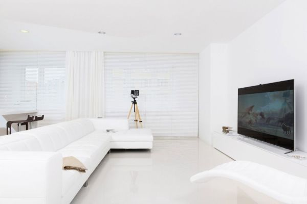 Pure White Apartment In Russia With A Tranquil Interior