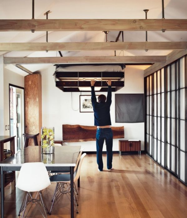 Vincent Kartheiser's Hollywood Cabin –A Compact But Well-Designed Space