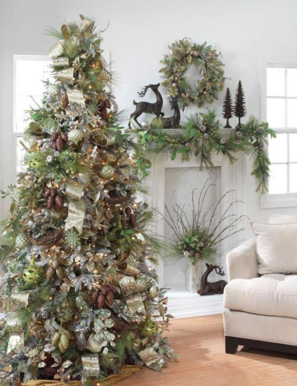 Christmas Decor in a House with Vintage Flavor