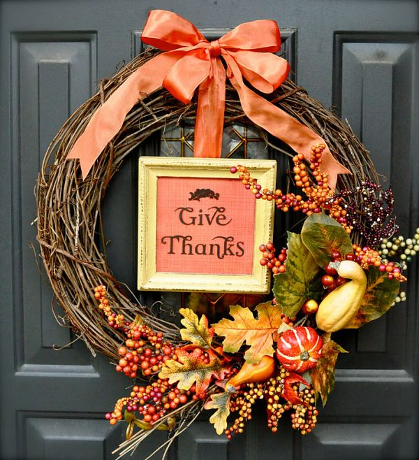 9 Thanksgiving Wreaths That Will Put Your Home Over The Top
