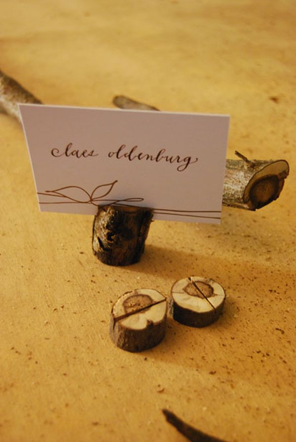 22 Thanksgiving Place Cards That Combine The Rustic Charm