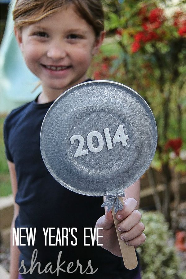 f2bfdc4a 10 Ways to Add Sparkle & Shine to a New Year's Eve Party