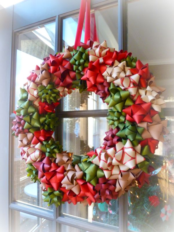 22 beautiful and easy diy christmas wreath ideas for How to make christmas door wreaths