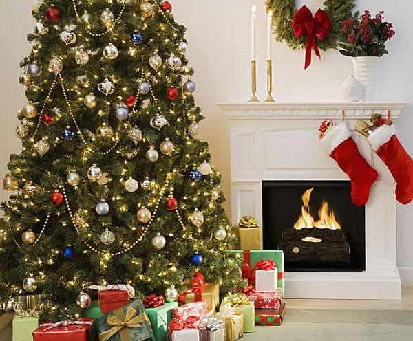 classic christmas tree - Pictures Of Decorated Christmas Trees