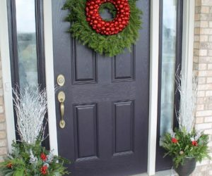 How to Decorate Your Front Door for the Holidays: The Lovely Look of Simple Festivity