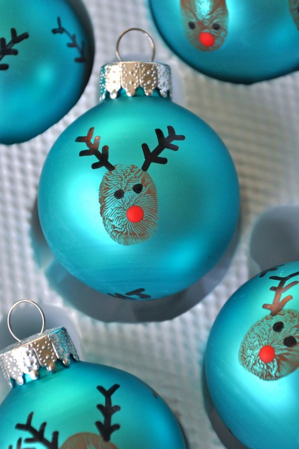 8 Christmas Tree Ornaments You Can Make In An Hour