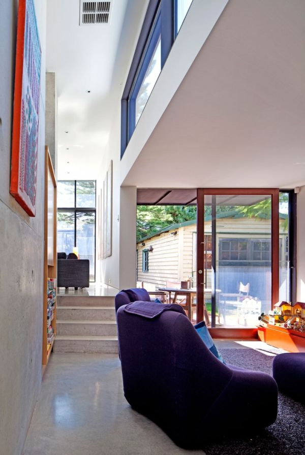 old heritage listed house extended and remodeled into a modern space