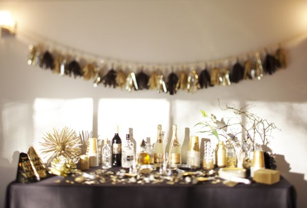Easy last minute diy new year 39 s eve party ideas for Last minute party ideas