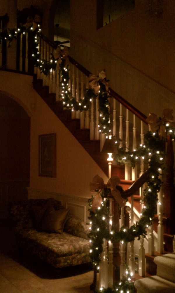 decorate the stairs for christmas 30 beautiful ideas - Christmas Lights Indoor Decorating Ideas