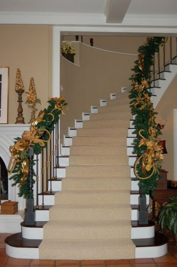 view in gallery - Railing Christmas Decorations