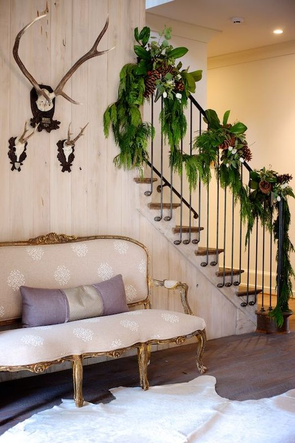 Decorate The Stairs For Christmas - 38 Beautiful Ideas To ...