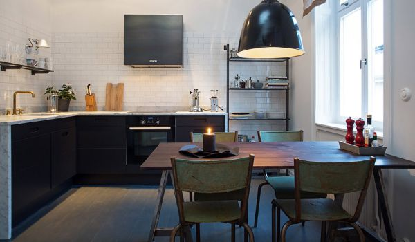 Renovated 1894 Apartment With Spacious Living Area In Stockholm