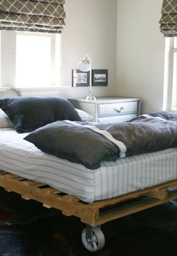 Attractive Pallet Addicted   30 Bed Frames Made Of Recycled Pallets