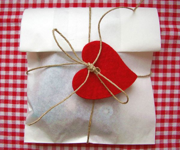 11 Sweet Gift Wrapping Ideas For Valentine S Day