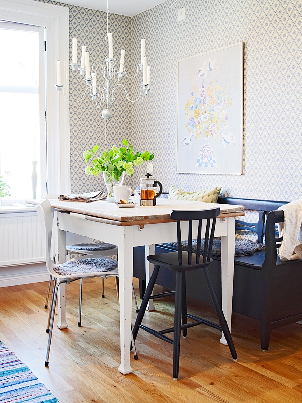 home decorating trends homedit - Small Dining Room Chandelier