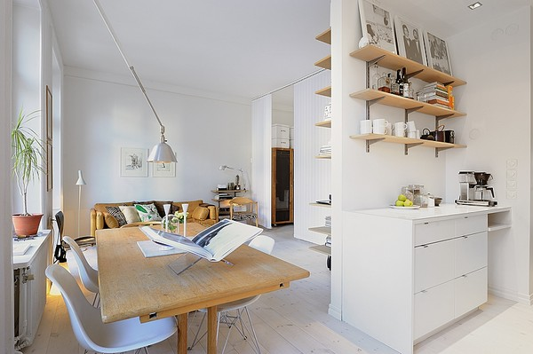 Next on out list is this apartment is Stockholm. It has a total surface of  39 square meters which is not too bad for a one-room apartment.