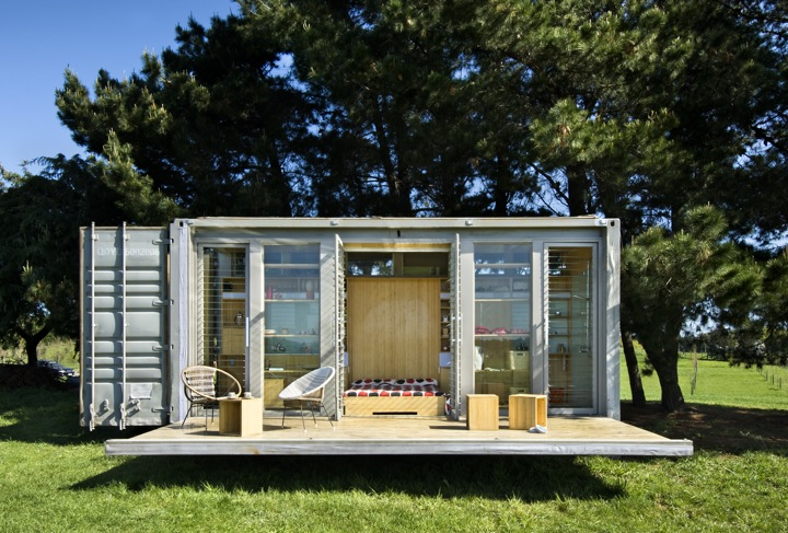 Port-a-Bach – A New Prototype For A Portable Shipping Container Home