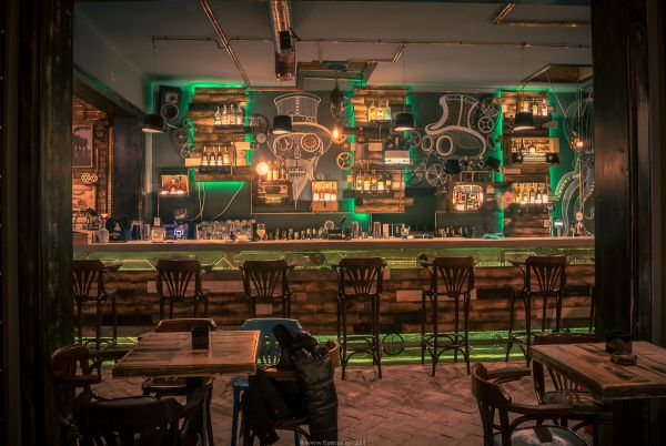 Revolutionary Design Idea. Spectacular Steampunk Pub That Defies ...