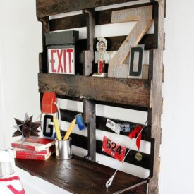 How to turn a pallet into a wall desk