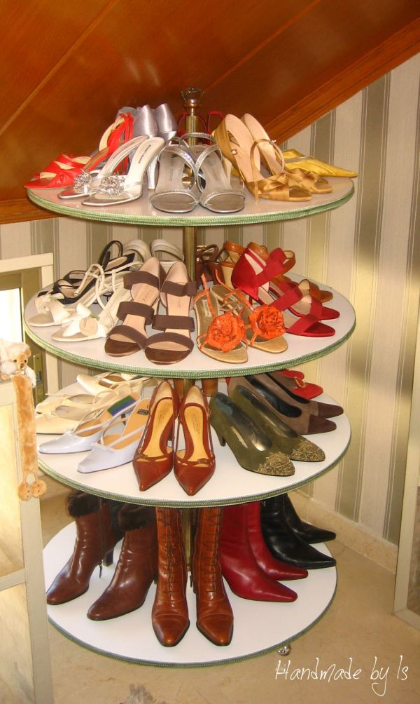 Diy shoe organizer designs a must have piece in any home for Organiser un stand