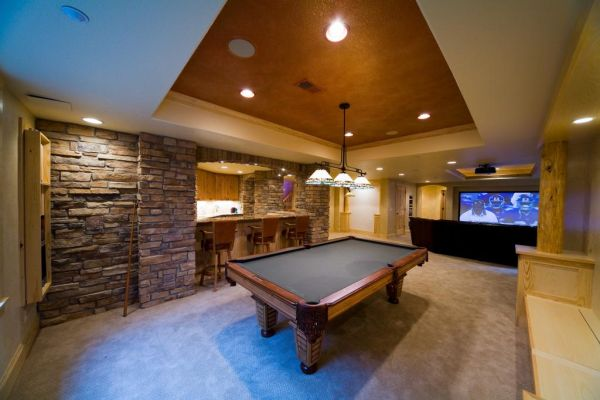 10 cool family basement designs for Pool design game
