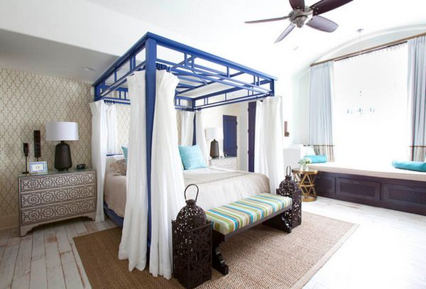 View in gallery Stylish custom-made canopy bed .
